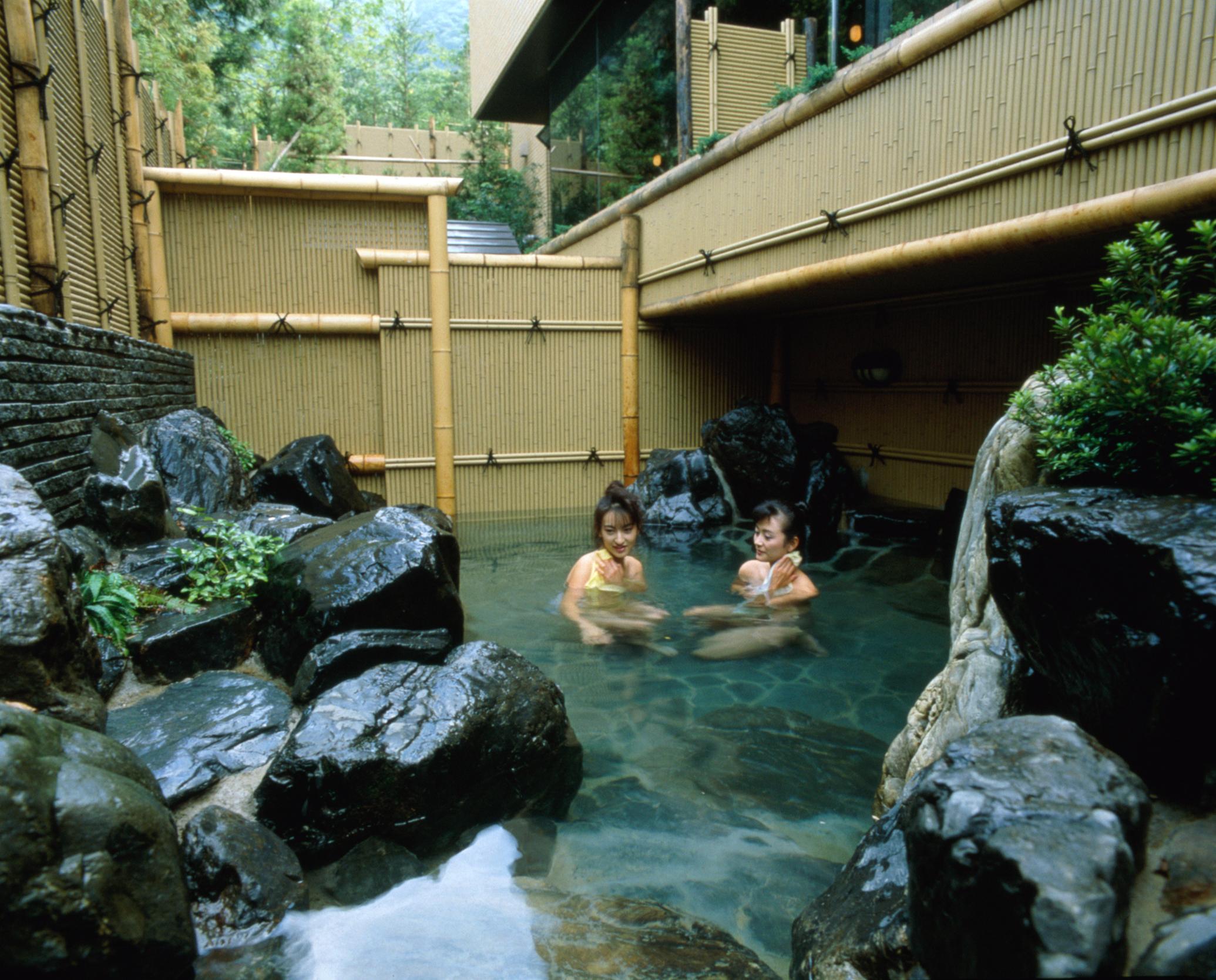 Tắm khoáng Onsen 3
