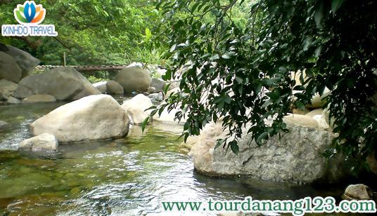 tour Đà Nẵng giá rẻ khám phá khu sinh thái suối Lương