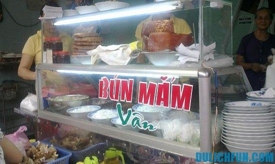 Những quán bún ăn sáng ngon bổ rẻ tại Đà Nẵng