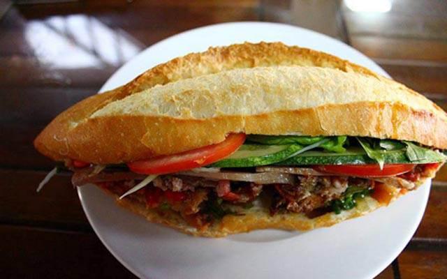 Bánh mì thịt nướng Cô Linh