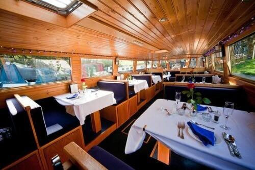Nếu có cơ hội du lịch Đà Nẵng bạn nên ghé Fishing Boat Restaurant
