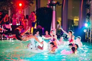 Pool party cuồng nhiệt thu hút khách du lịch Đà Nẵng