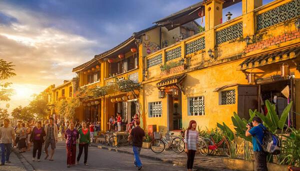Phố cố Hội An là điểm du lịch Đà Nẵng 1 mình cần phải ghé