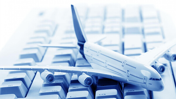 Theo kinh nghiệm du lịch Đà Nẵng 5 ngày 4 đêm tự túc thì bạn nên săn vé máy bay trước khoảng 3 tháng đổ lại để có được mức giá hợp lí nhất