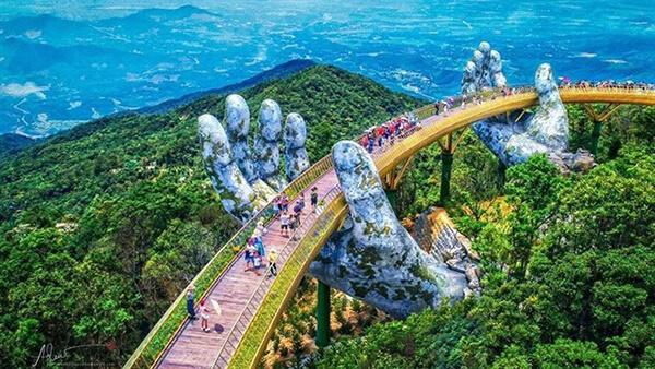 Ân tượng mới trong lịch trình du lịch Đà Nẵng 5 ngày 4 đêm tự túc là được thăm cầu Vàng độc đáo