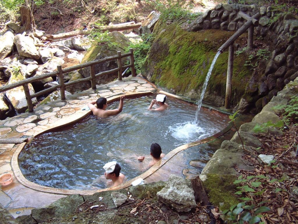 Tắm khoáng Onsen 4