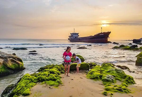 Rạn Nam Ô là một địa điểm mà bạn nên ghé tới nếu du lịch Đà Nẵng