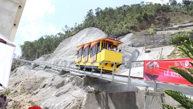 tàu hỏa leo núi
