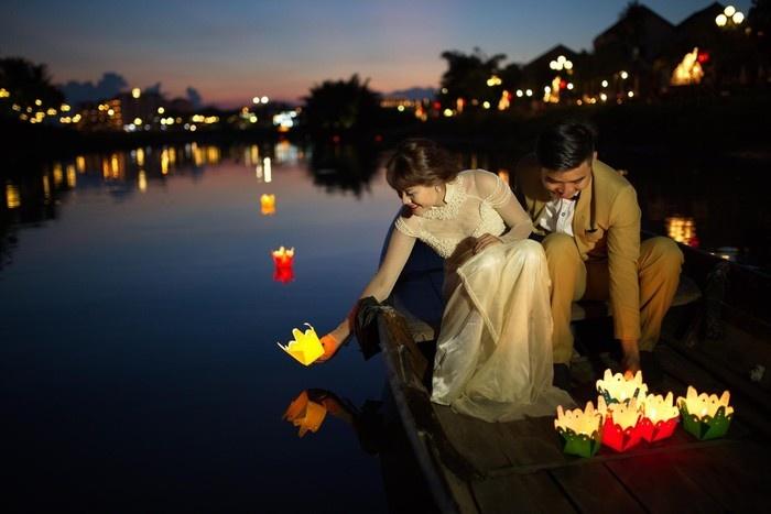 thuyền hoa đăng trên sông hoài