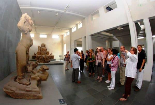 Tour du lich da nang - son tra - hoi an - hue - Phong Nha 5 ngay 4 dem